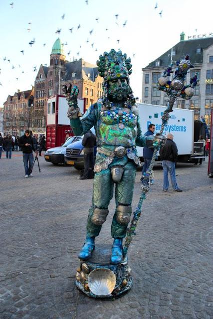 amsterdam-neptune-at-dam-square
