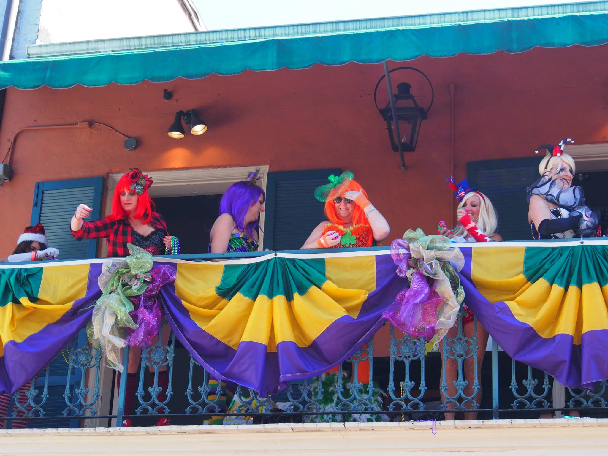 french-quarter-new-orleans-mardi-gras-1