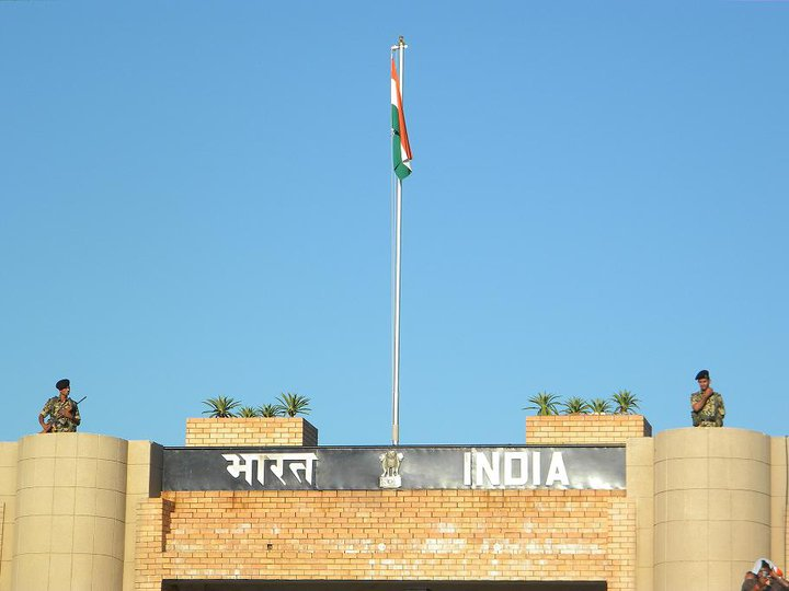 indian-flag-wagah-border-amritsar