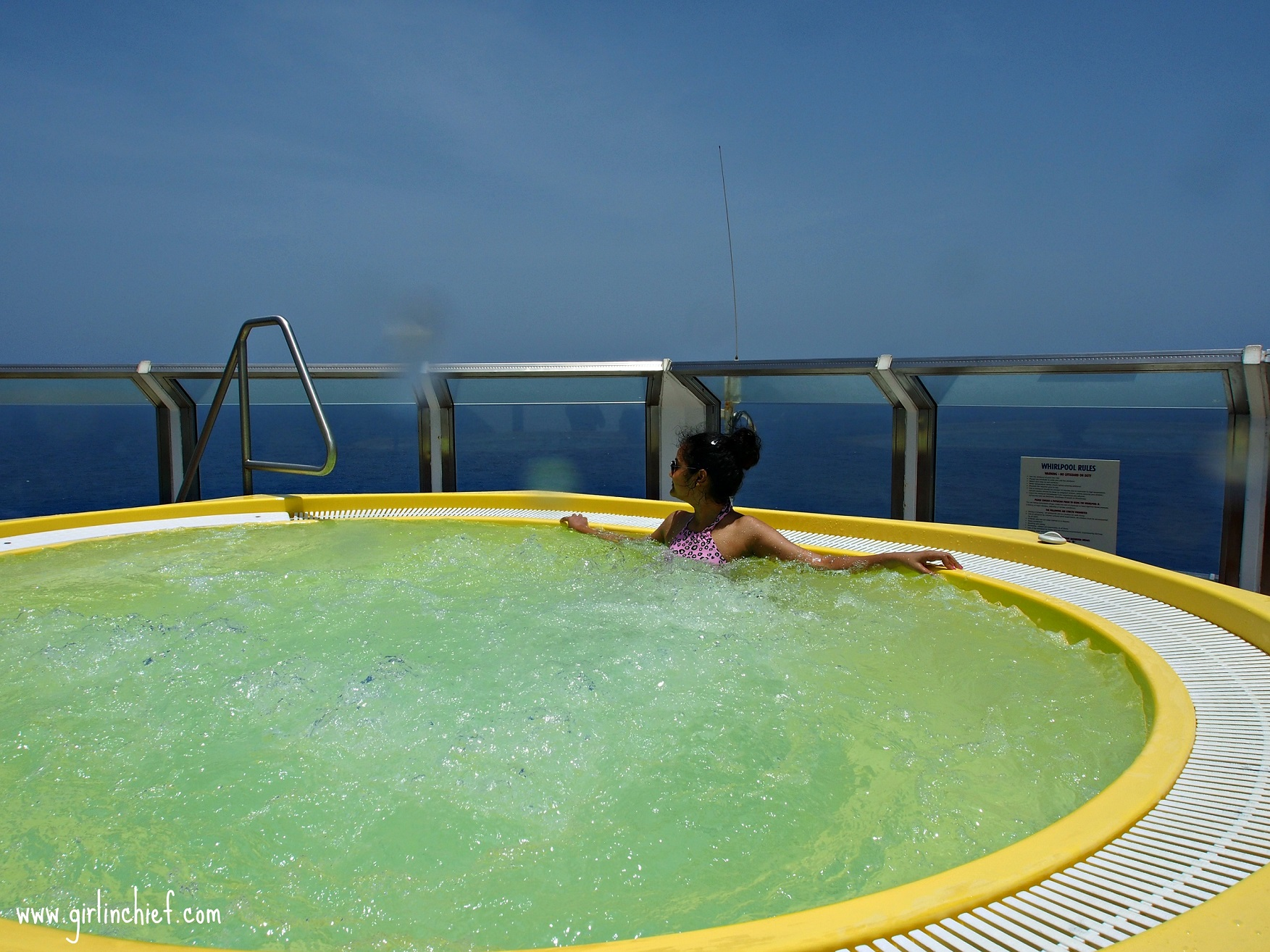 carnival-freedom-jacuzzi