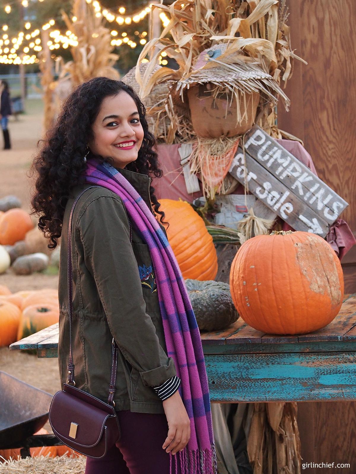 halloween-hall's-pumpkin-farm-girlinchief
