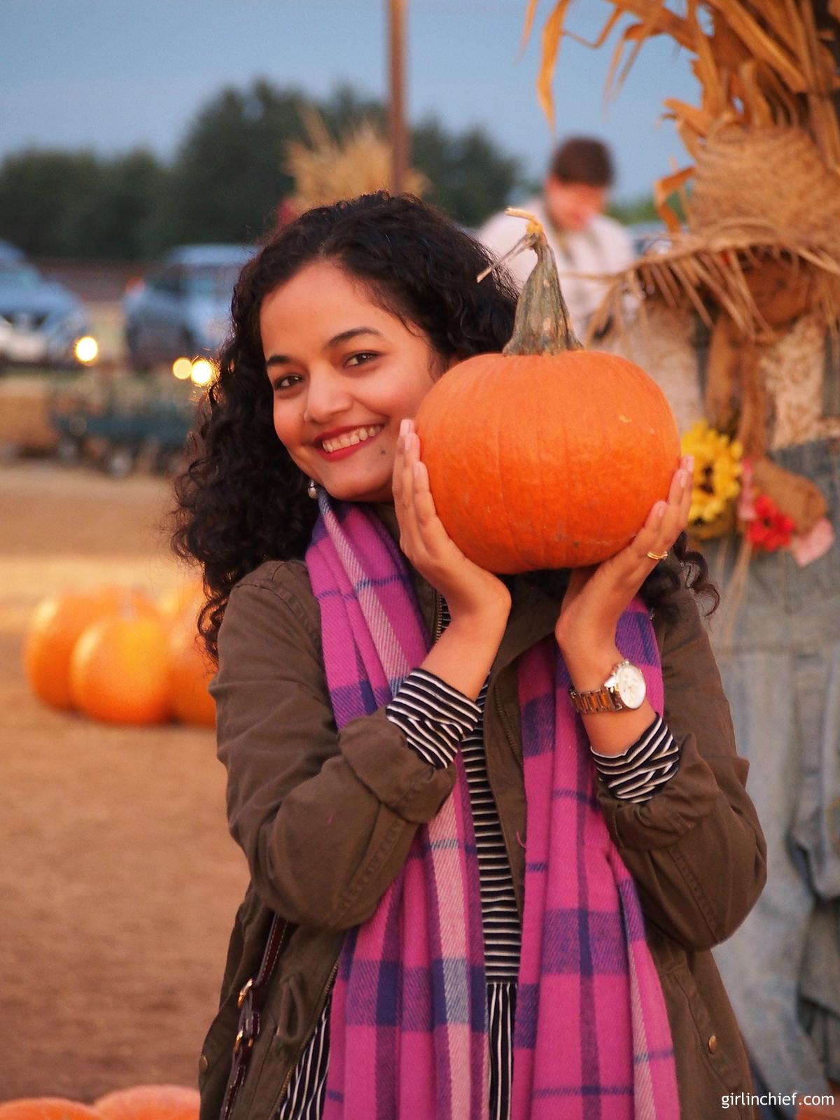 halloween-halls-pumpkin-farm-girlinchief-6